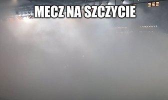 """""""Zadymiony"""" mecz na szczycie, Loska jak ściana. Memy po spotkaniu Legia - Górnik (galeria)"""