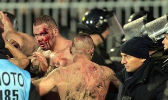 Gorąco na derbach w Belgradzie. Polała się krew (galeria)