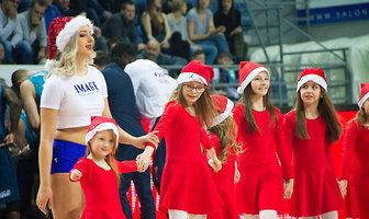 Cheerleaders Anwil Dance Team w świątecznym akcencie (galeria)