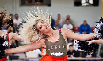 Cheerleaderki podczas meczu Legi Warszawa z Rosą Radom (galeria)