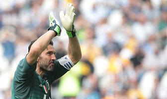 Godne pożegnanie Buffona w Turynie. W wielu oczach kręciły się łzy (galeria)