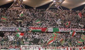 Kibice podczas meczu Legia Warszawa - Wisła Kraków 3:3 (galeria)