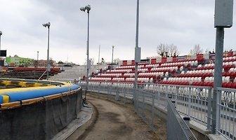 Trwa przebudowa stadionu w Ostrowie (galeria)