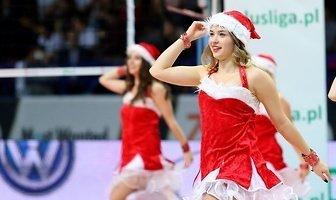 Mikołajkowy występ Bell Arto Cheerleaders Kozminski University  podczas meczu siatkarzy ONICO (galeria)
