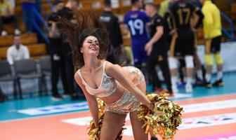 Giganci Siatkówki 2019: Glow Cheerleaders w drugim dniu turnieju (galeria)