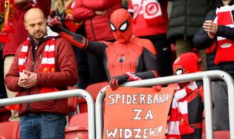 II liga: kibice Widzewa Łódź i Resovii podczas meczu ich drużyn (galeria)