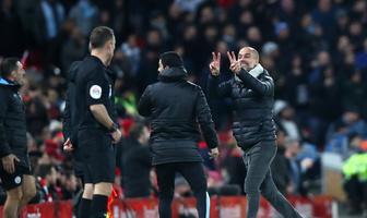 Premier League. Liverpool - Manchester City. Pep Guardiola i Juergen Klopp szaleli przez decyzje sędziów (galeria)