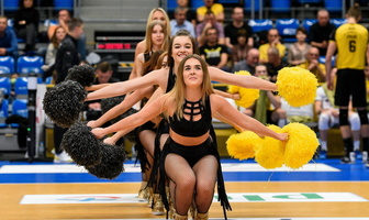 Występ taneczny grupy Cheerleaders Bełchatów na meczu PlusLigi (galeria)