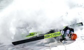 Skoki narciarskie. Puchar Świata Kuusamo 2019. Groźny upadek Markusa Eisenbichlera. Trafił do szpitala (galeria)