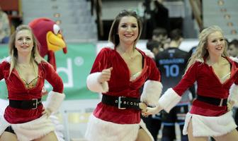 Mikołajkowy występ Soltare Cheerleaders w Olsztynie (galeria)