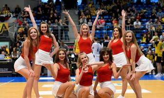 Mikołajkowy występ Cheerleaders Bełchatów (galeria)