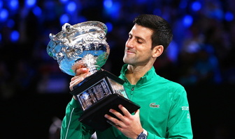 Tenis. Novak Djoković znów mistrzem Australian Open. Ósmy triumf Serba w Melbourne (galeria)