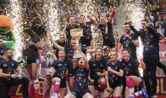 Dekoracja najlepszych siatkarek Pucharu Polski kobiet 2020 (galeria)
