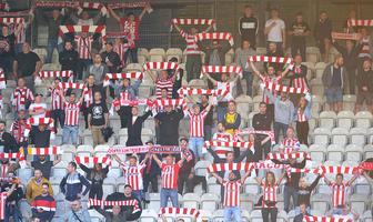 Totolotek Puchar Polski. Kibice podczas meczu Cracovia - Legia (galeria)