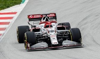 F1. Robert Kubica na torze w Barcelonie. Alfa Romeo w akcji [GALERIA]