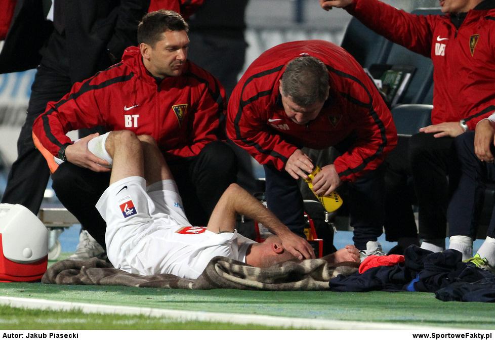 Bartosz Ława z powodu kontuzji opuścił boisko...