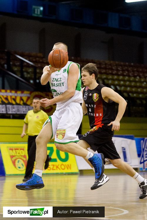 Znicz Basket - Franz Astoria Bydgoszcz 58:74
