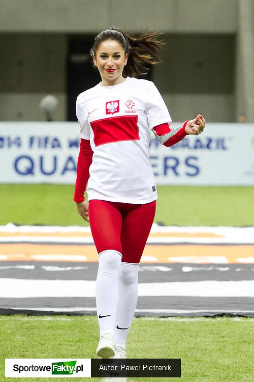 Cheerleaders Gdynia na meczu Polska - San Marino, część 1