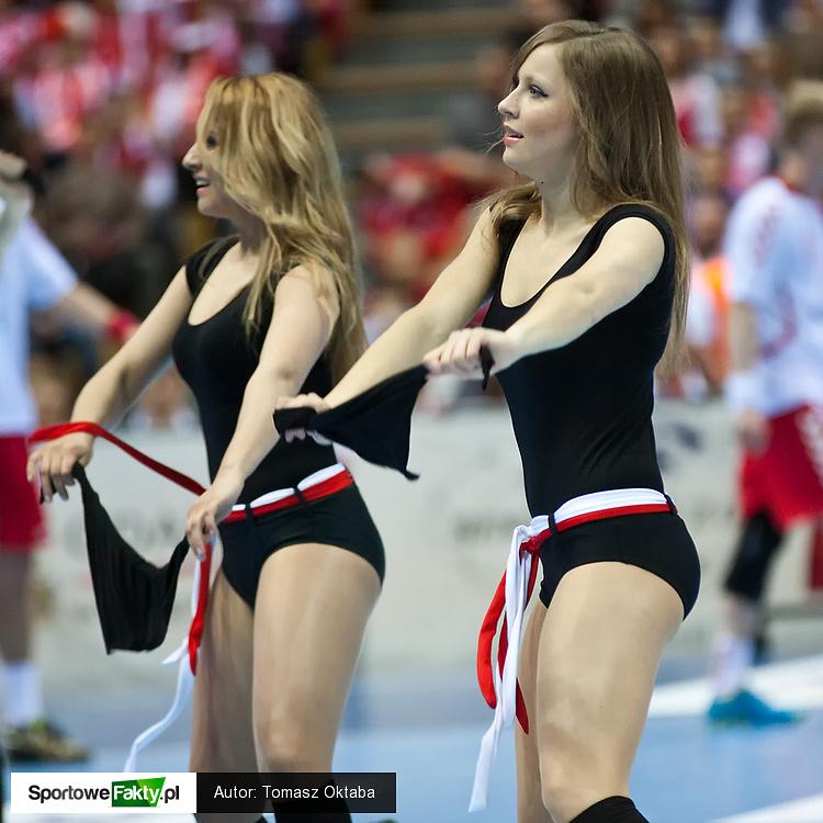 Cheerleaders Flex Dance na meczu Polska - Szwecja
