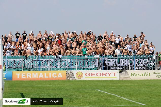 Kibice z Rybnika tłumnie stawili się na stadionie w Niecieczy