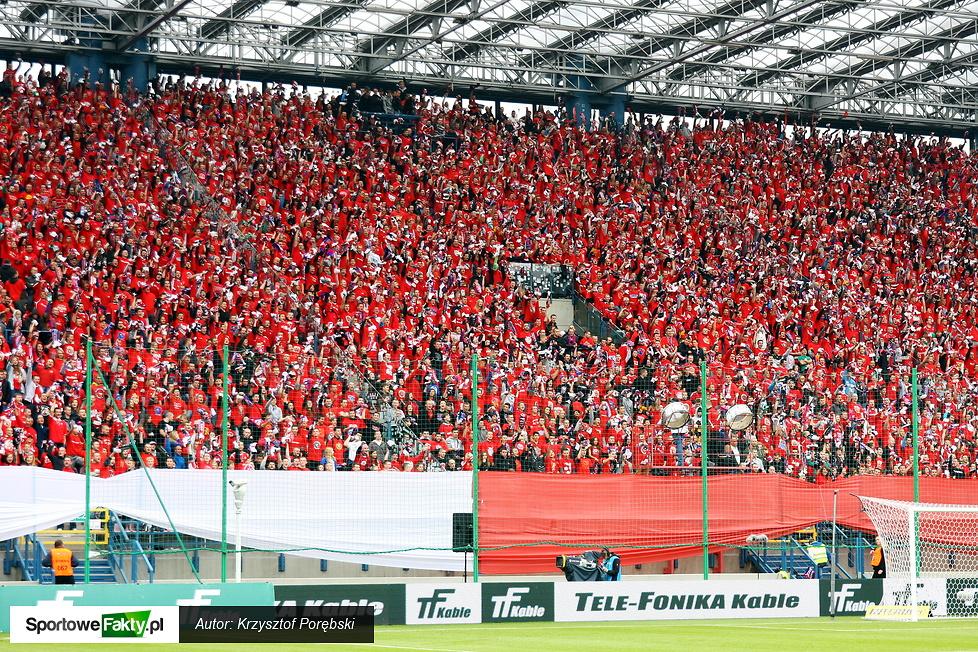 Pełne trybuny podczas meczu Wisła Kraków - Legia Warszawa 1:0