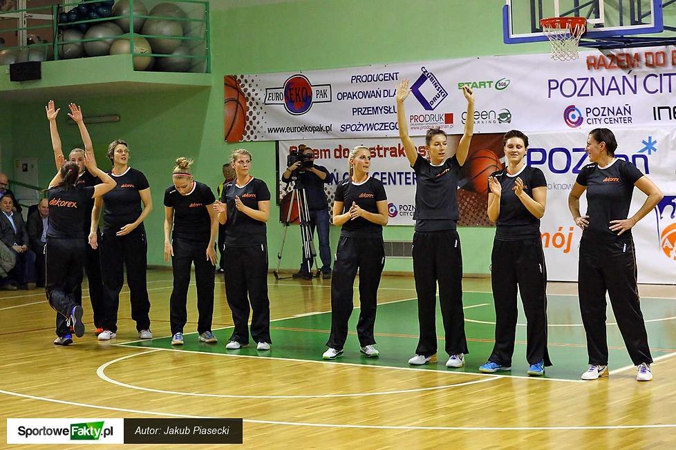 Zespół Dekorexu Pabianice podczas prezentacji...