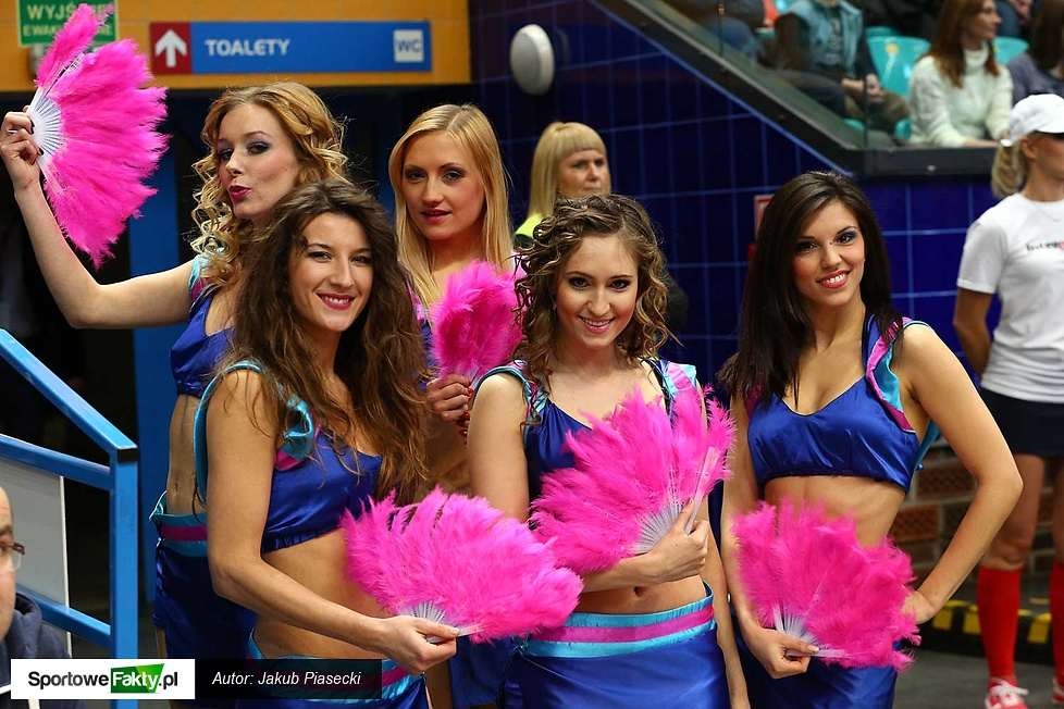 Cheerleaderki podczas meczów półfinałowych Pucharu Polski