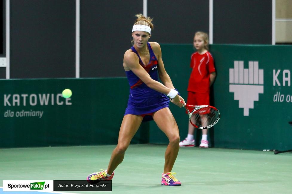 WTA Katowice: Katarzyna Piter - Camila Giorgi 0:6 1:6