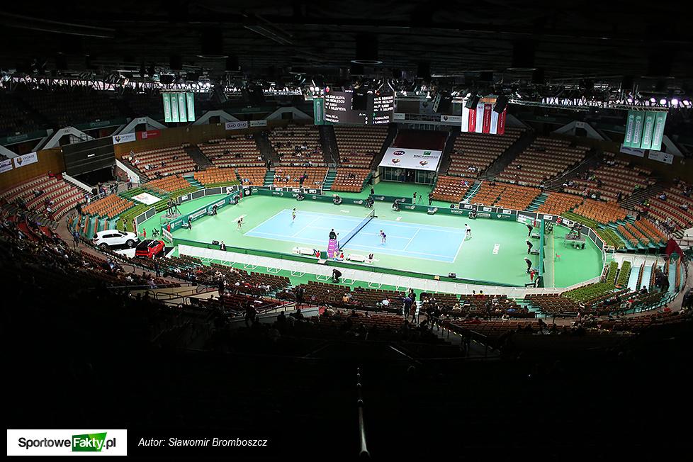 WTA Katowice: Koukalova / Niculescu - Paula Kania / Sołowiowa 6:2, 6:3