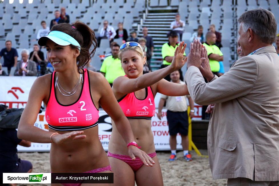 MP w siatkówce plażowej kobiet - dekoracja medalistek