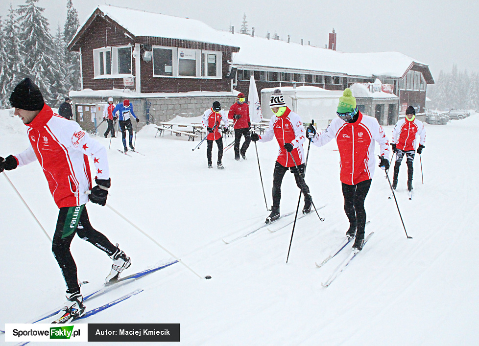 Trening żużlowej kadry na nartach biegowych w Jakuszycach