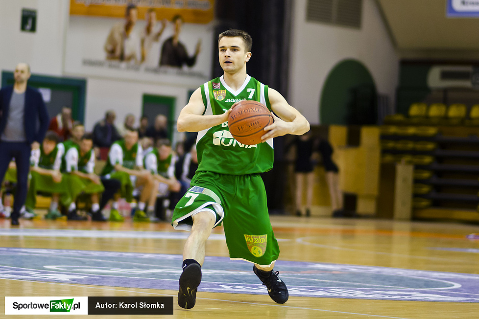 Miasto Szkła Krosno - Znicz Basket Pruszków 96:78