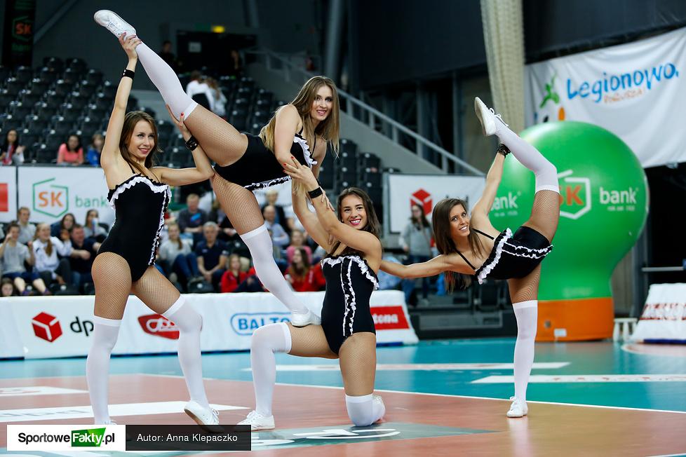 Występy Bell Arto Cheerleaders na meczu Orlen Ligi w Legionowie