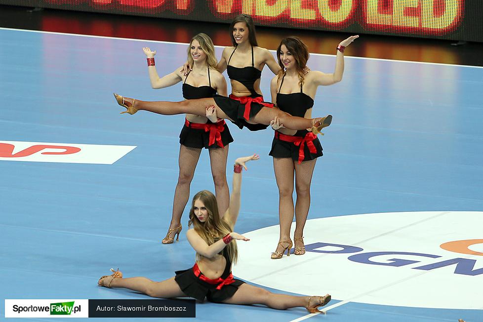 Bell Arto Cheerleaders rozgrzały katowicki Spodek