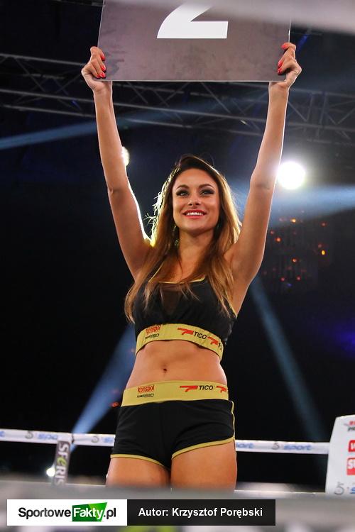 Ring girls podczas gali Underground Boxing Show VII w Wieliczce