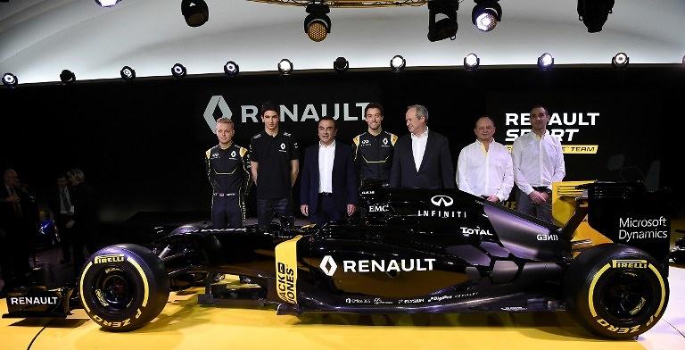 Renault jest pierwszym zespołem, który zaprezentował malowanie bolidu ...