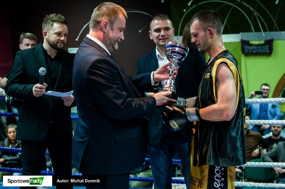Damian Mielewczyk (10-2, 7 KO) Thunder Promotions Mirosław Pobłocki Pr...