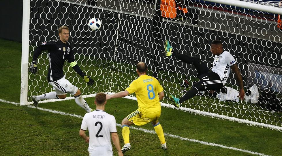 Euro 2016: świetna interwencja Jerome'a Boatenga (galeria)