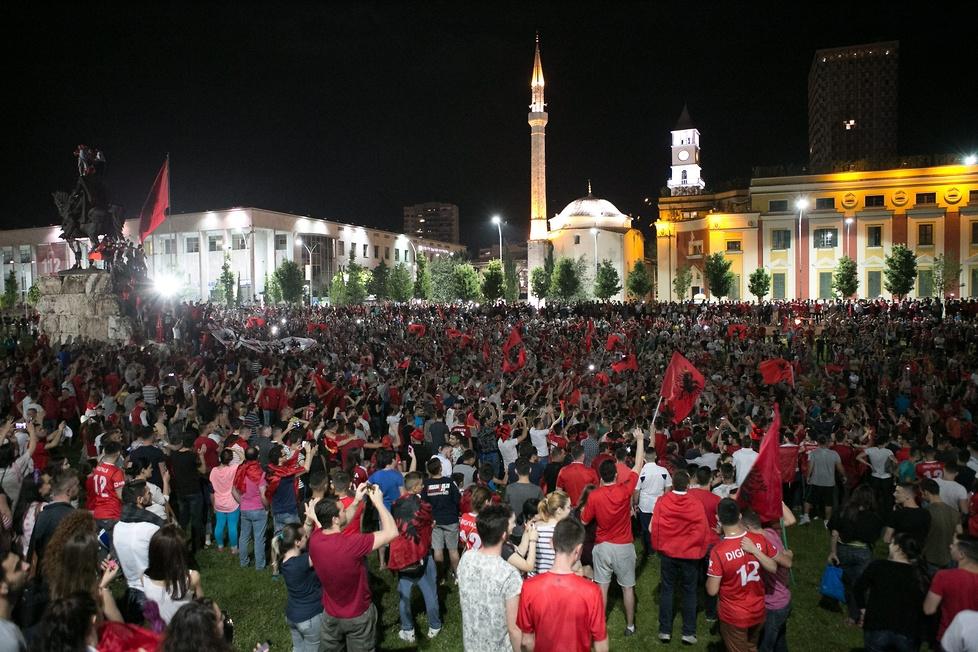 Wielkie świętowanie w Tiranie. Albańczycy oszaleli po zwycięstwie na Euro