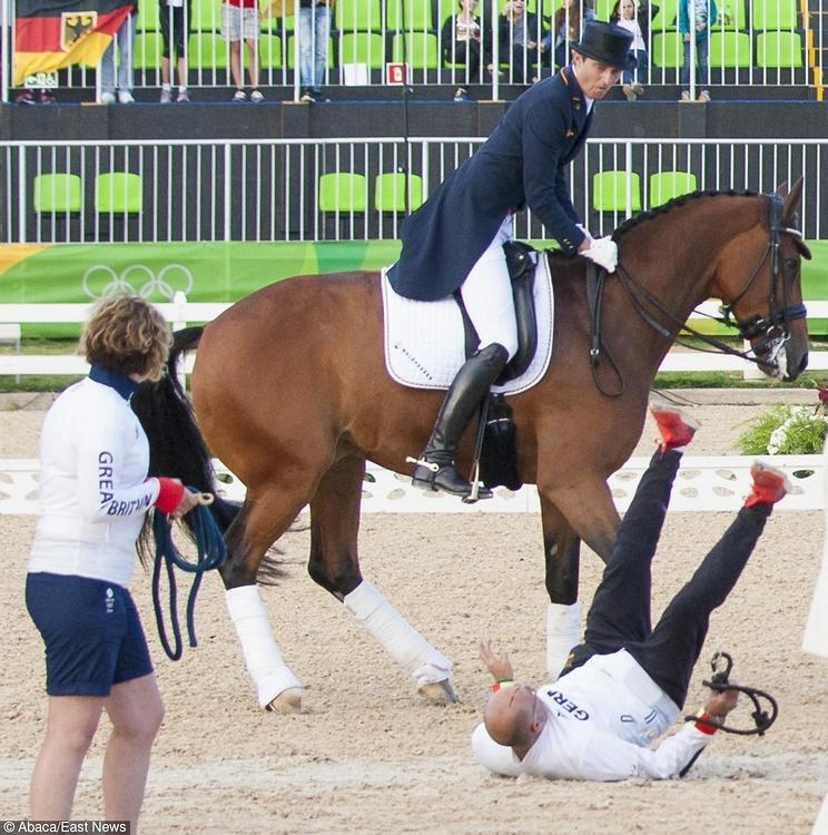 Rio 2016: Brytyjczyk kopnięty w głowę przez konia! Polała się krew
