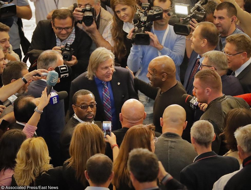 Tyson wywołał spore zamieszanie w Rumunii. Zaprosili go do parlamentu