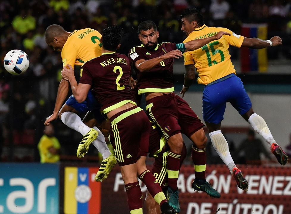 Niecodzienna sytuacja w meczu Brazylii. Na stadionie zapanowały egipskie ciemności