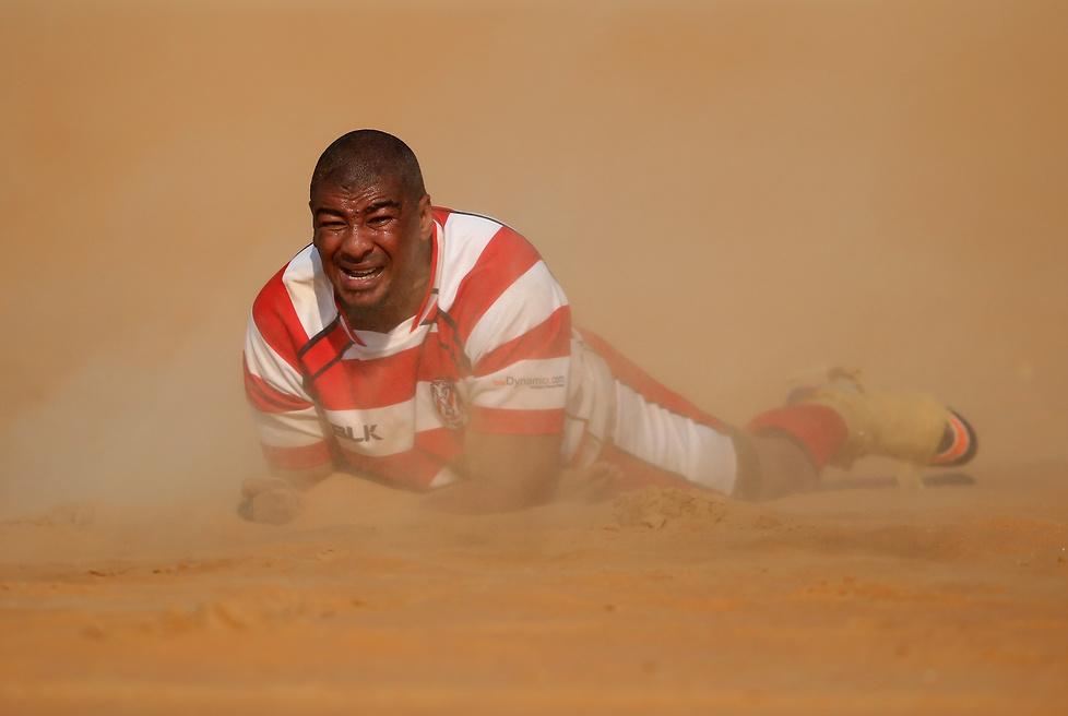 Szejkowie mają fantazję. Zorganizowali mecz rugby na pustyni