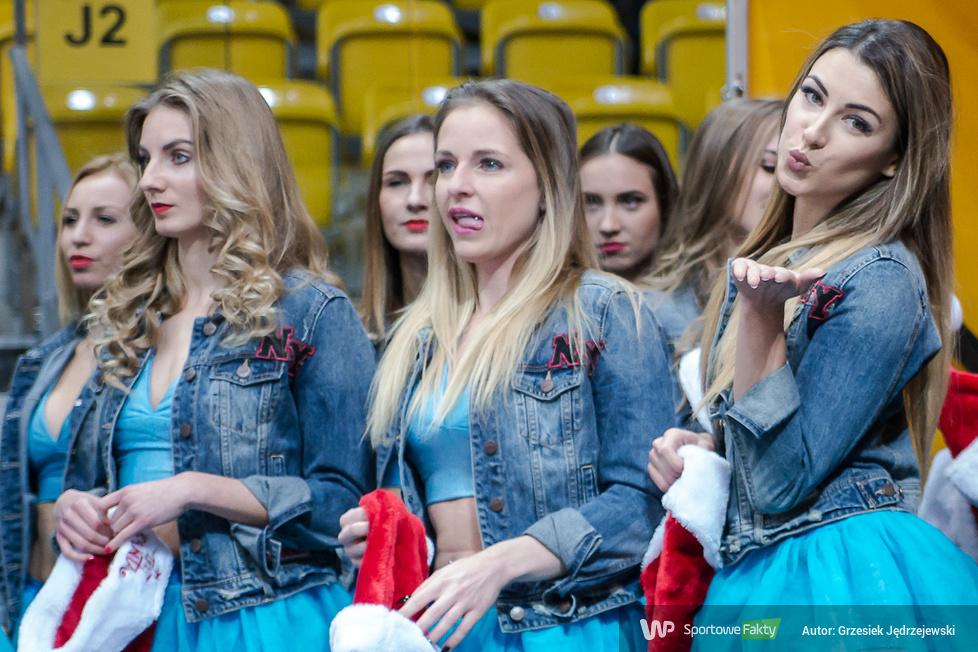 Cheerleaders Gdynia tańczyły na meczu Asseco Gdynia - BM Slam Stal Ostrów Wielkopolski (galeria)
