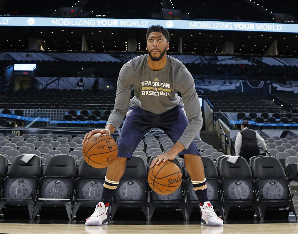 Anthony Davis (NBA) - amerykański koszykarz, występujący na pozycji sk...