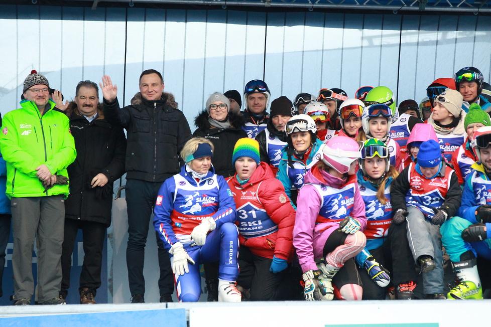 Narciarstwo to jego pasja. Prezydent Duda wziął udział w slalomie w Zakopanem
