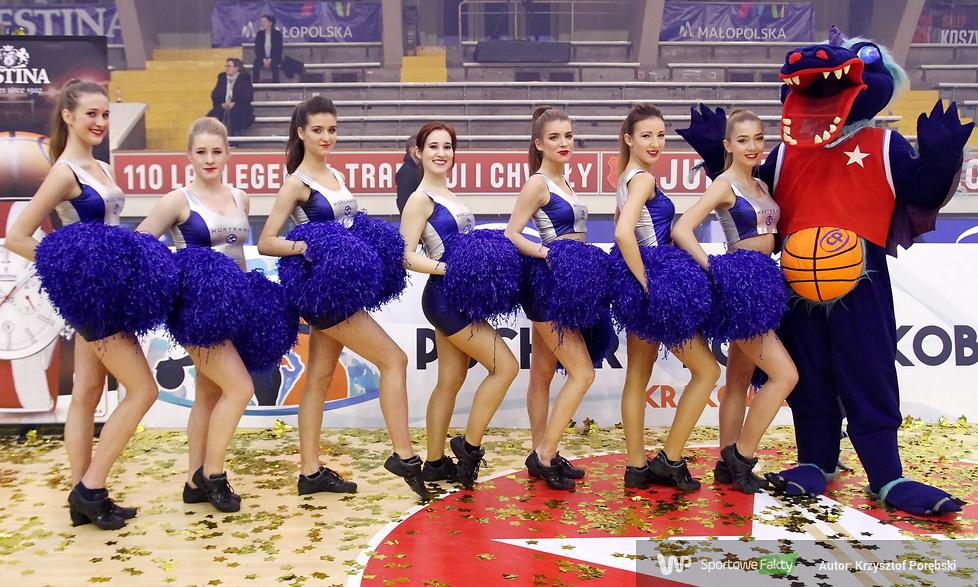 Trinity cheerleaders tańczyły na finale Pucharu Polski koszykarek (galeria)