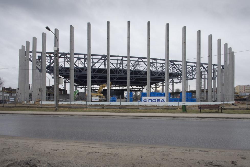 Pierwszy w Polsce kryty tor do łyżwiarstwa szybkiego w budowie (galeria)