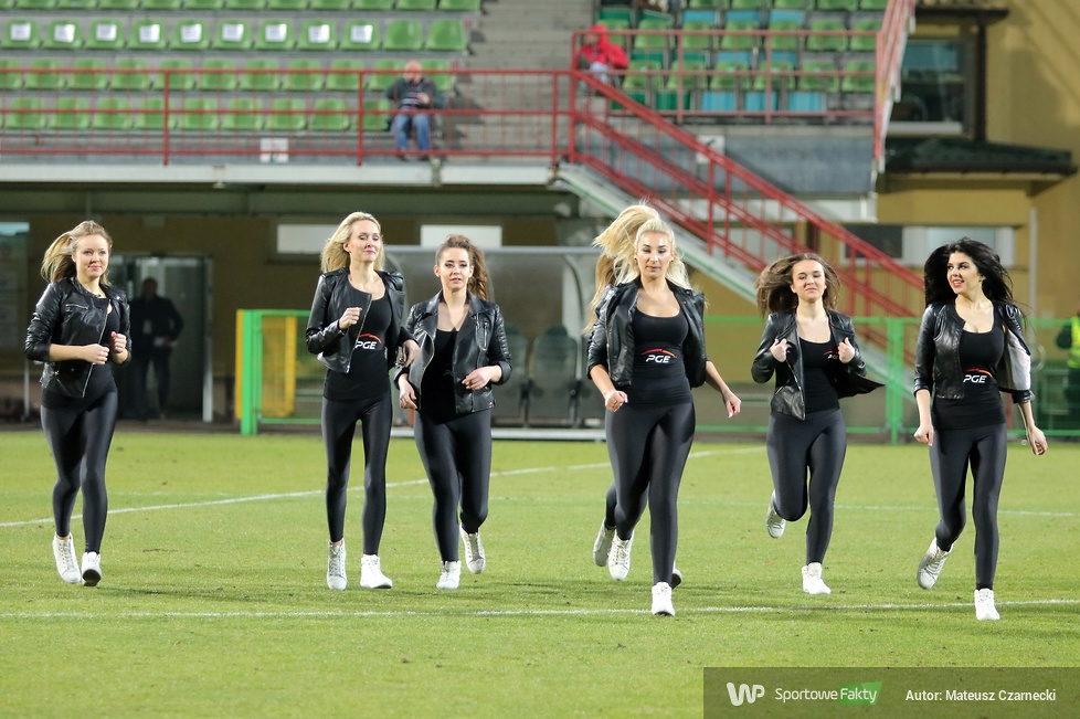 Cheerleaders Bełchatów na meczu GKS Bełchatów - Polonia Bytom (galeria)