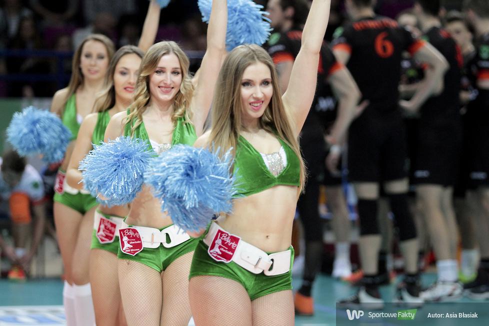 Bell Arto Cheerleaders AWF Warszawa na meczu ONICO AZS Politechnika Warszawska - Jastrzębski Węgiel (galeria)